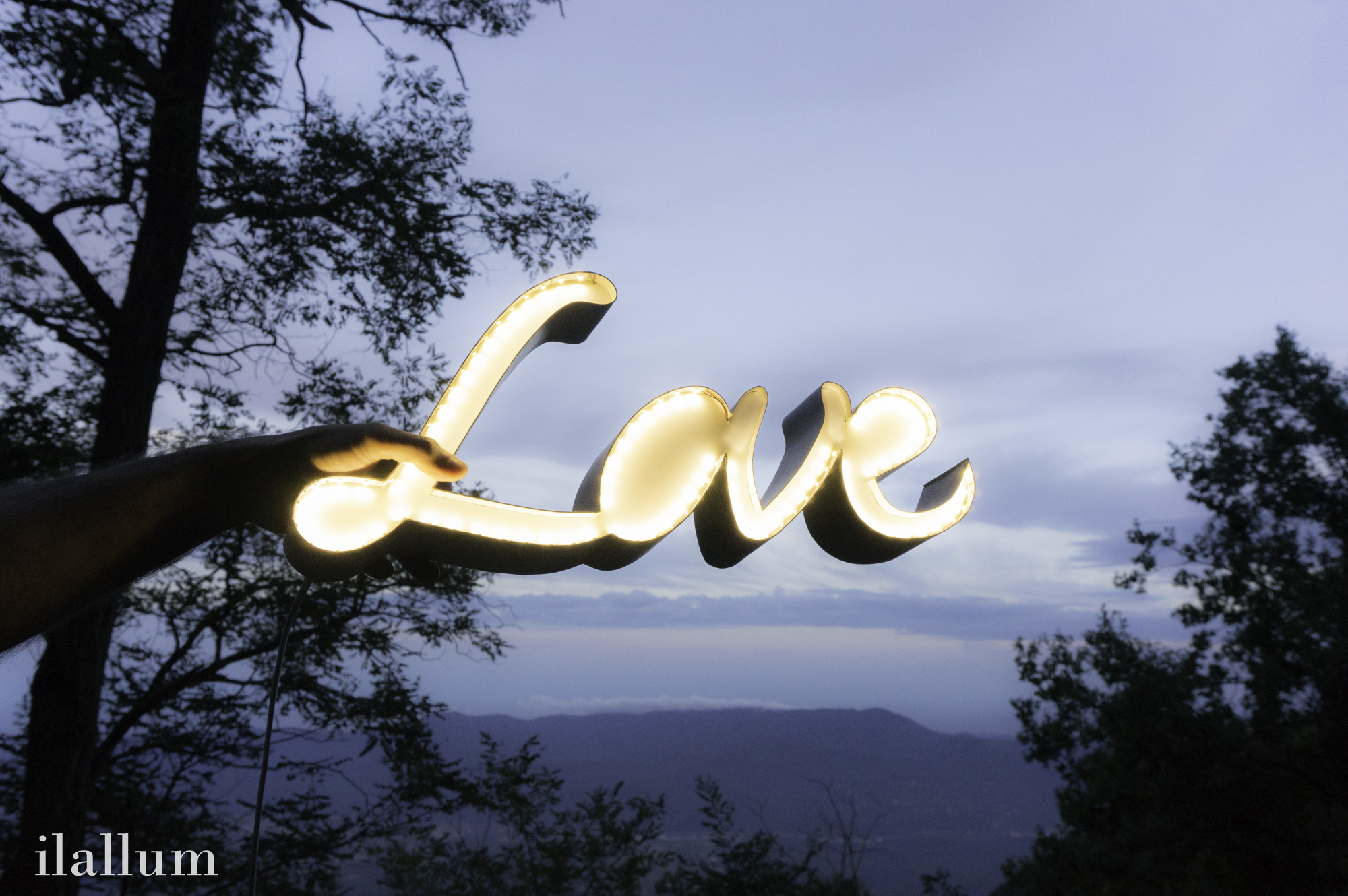 Letras luminosas Love